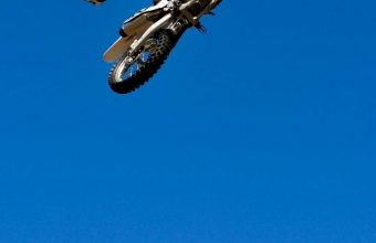 Bike Jump Blue Sky Wallpaper 720x1544 340x220