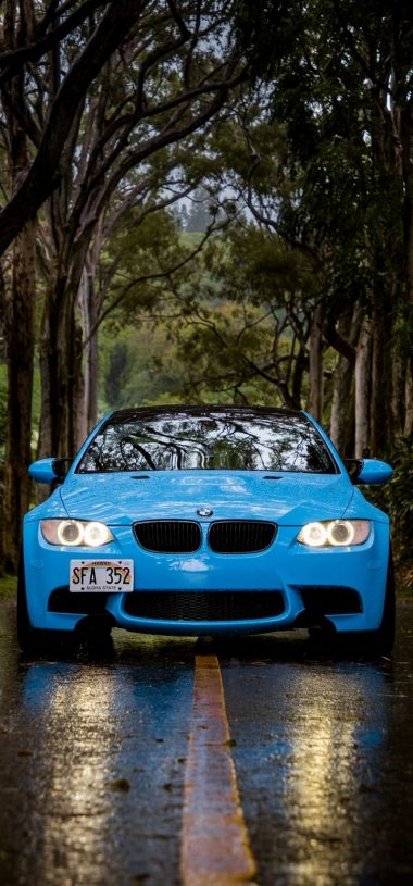 Blue BMW 5 Car Wallpaper 720x1544 380x815