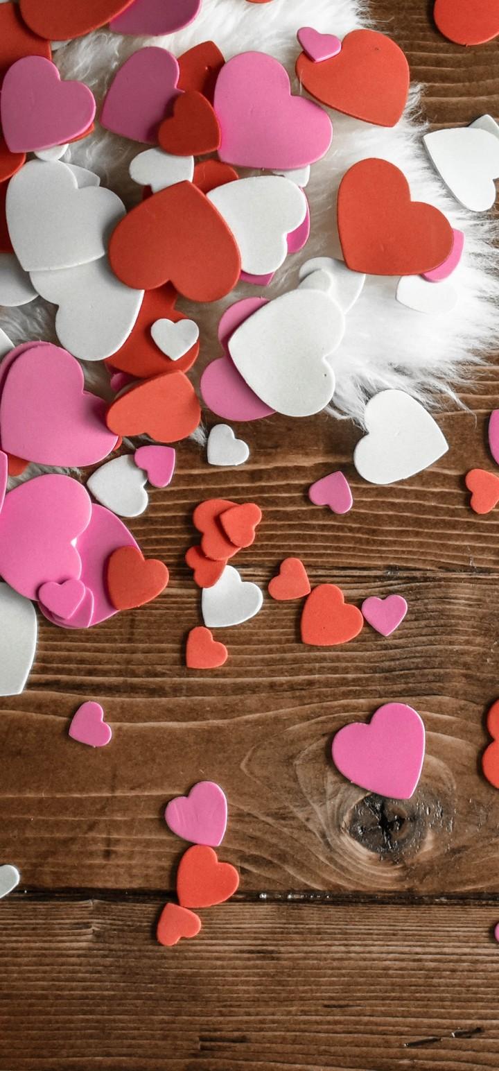 Hearts Multicolored Fur Table Wallpaper 720x1544