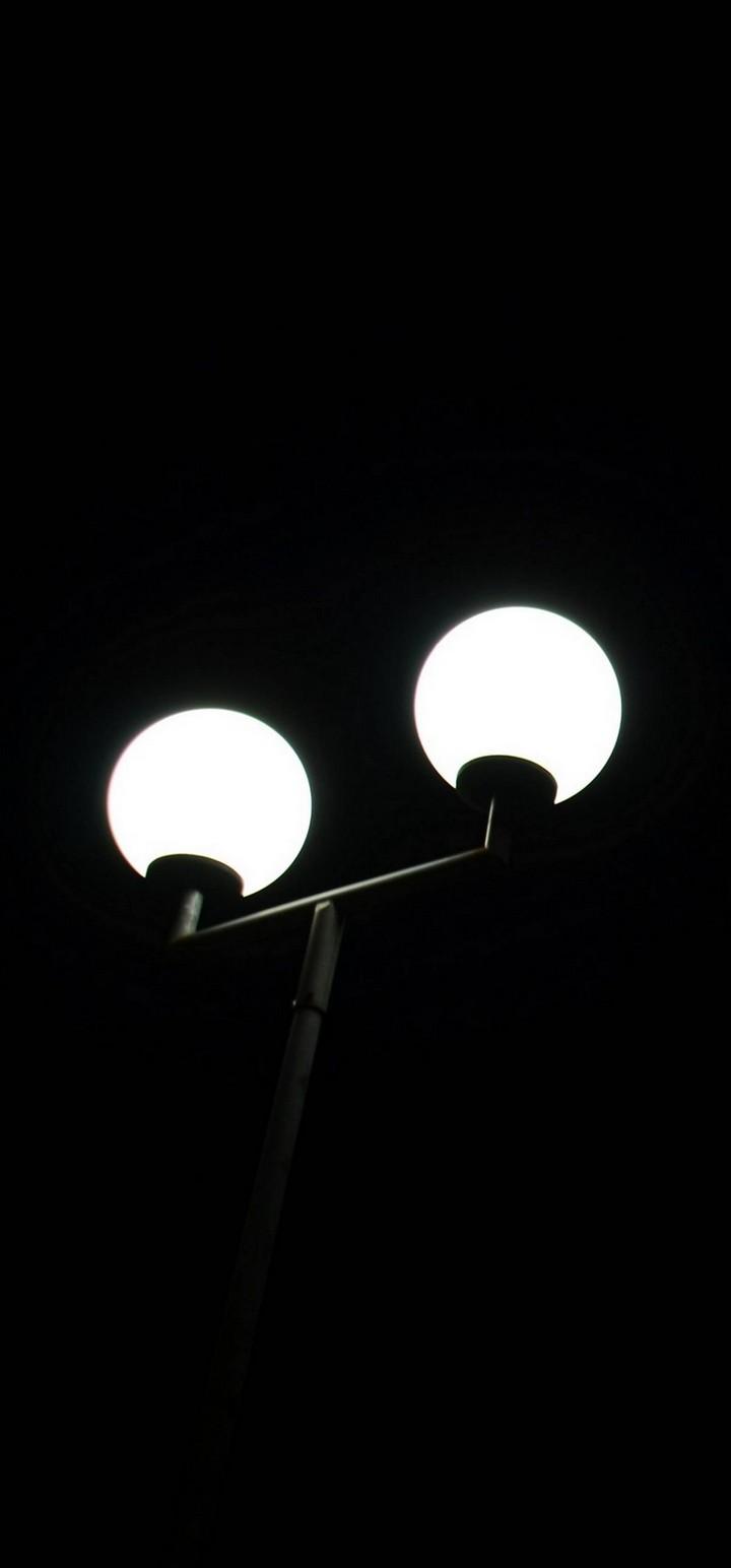 Lantern Light Bulb Minimal Wallpaper 720x1544