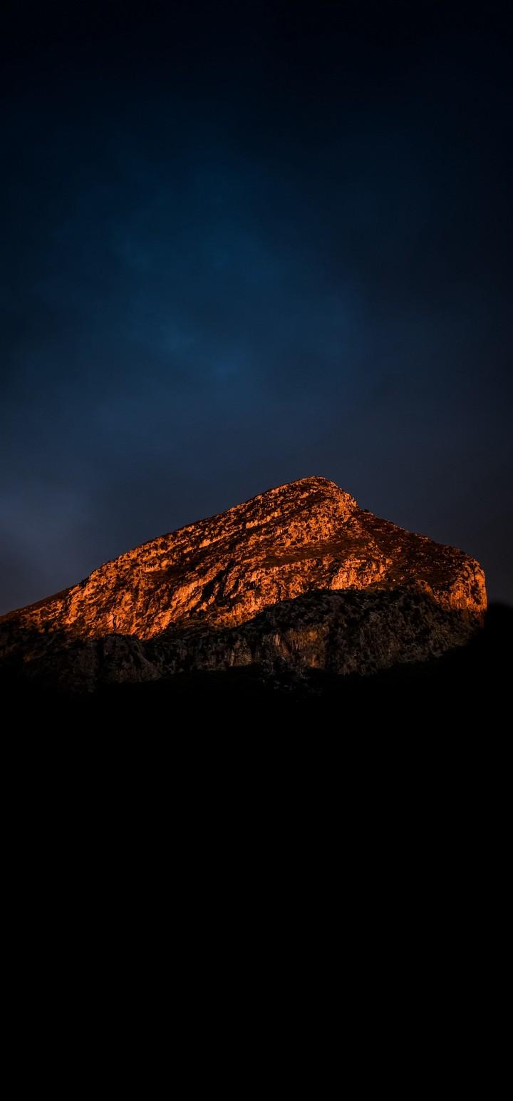 Mountain Peak Shadow Wallpaper 720x1544