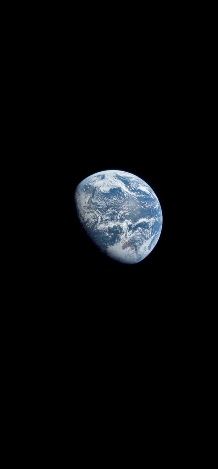 Space Earth Shadow Wallpaper 720x1544