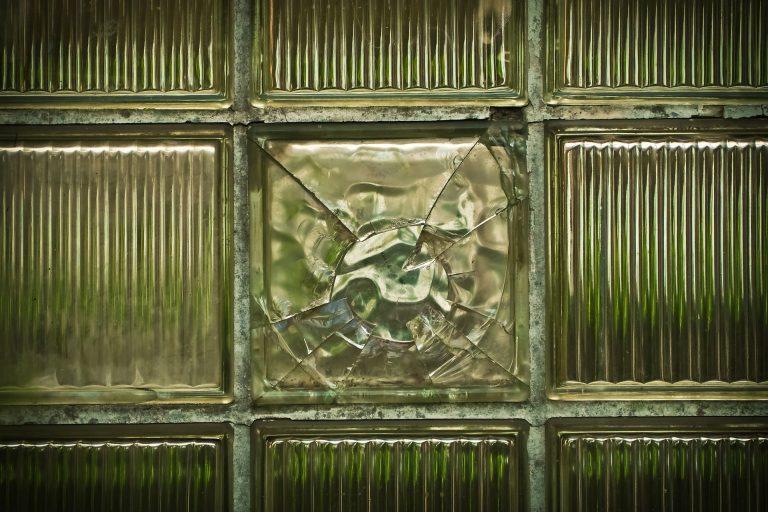Broken Glass Wallpaper 02 1920x1279 768x512