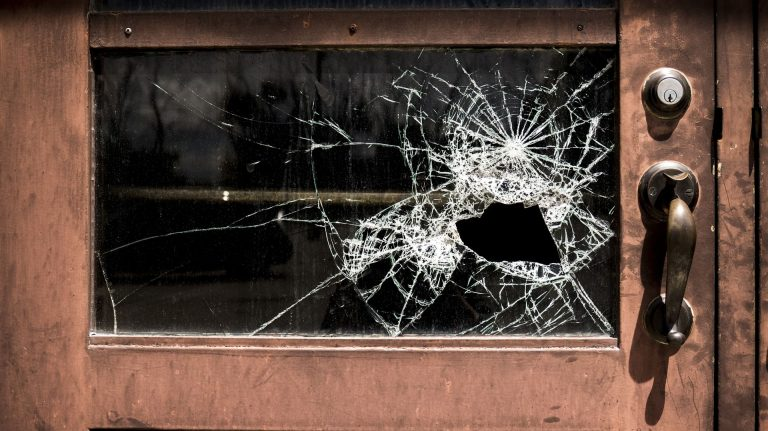 Broken Glass Wallpaper 09 1920x1078 768x431