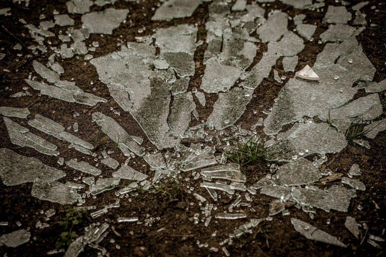 Broken Glass Wallpaper 11 1920x1280 768x512