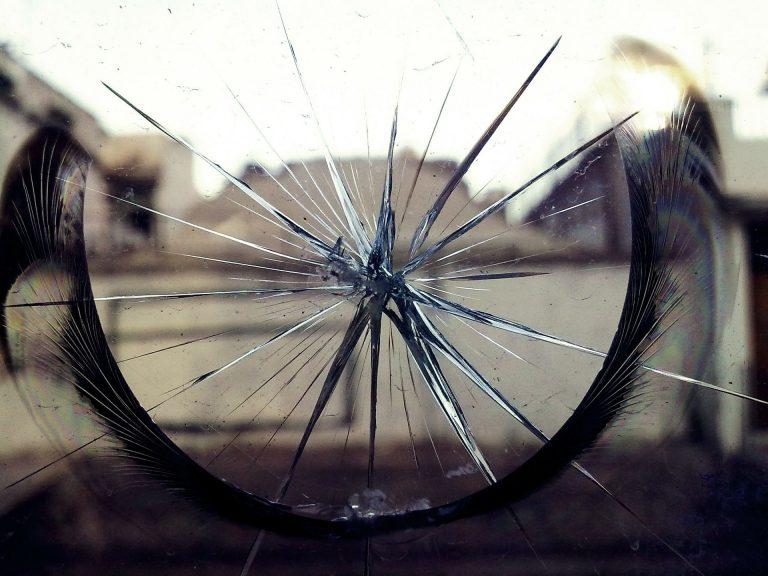 Broken Glass Wallpaper 26 1920x1440 768x576