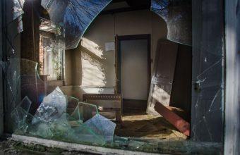 Broken Glass Wallpaper 50 1920x1271 340x220