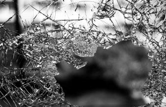 Broken Glass Wallpaper 54 4608x3072 340x220