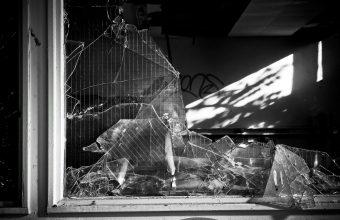 Broken Glass Wallpaper 63 1920x1261 340x220