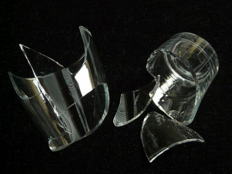 Broken Glass Wallpaper 72 1920x1440 768x576