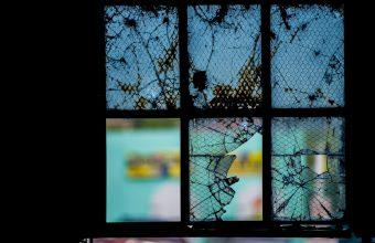 Broken Glass Wallpaper 78 1920x1281 340x220