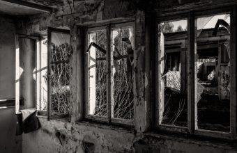 Broken Glass Wallpaper 80 1920x1280 340x220