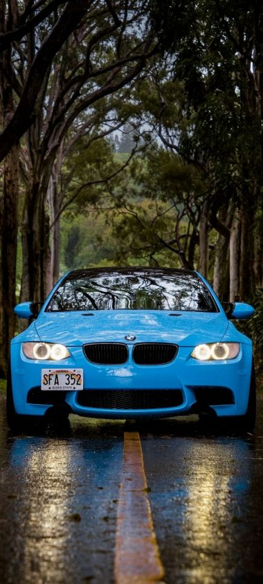Blue BMW 5 Car Wallpaper 720x1600 380x844