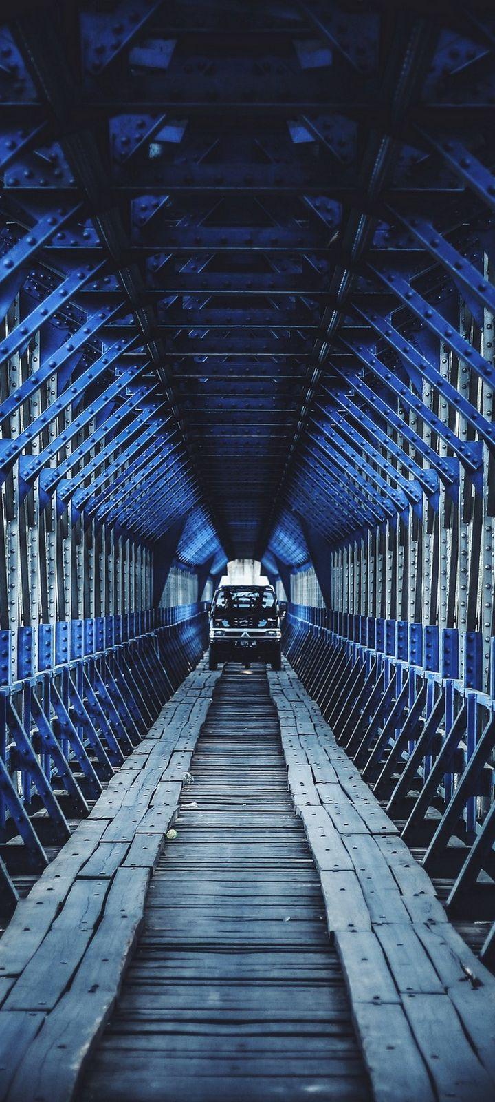 Bridge Car Construction Wallpaper 720x1600