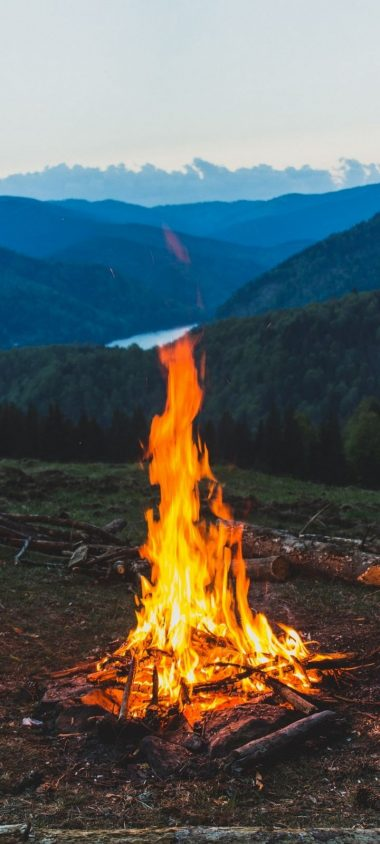 FireWood Campfire Mountain Wallpaper 720x1600 380x844