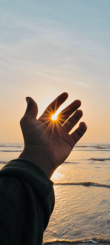 Hand Fingers Sun Wallpaper 720x1600 380x844