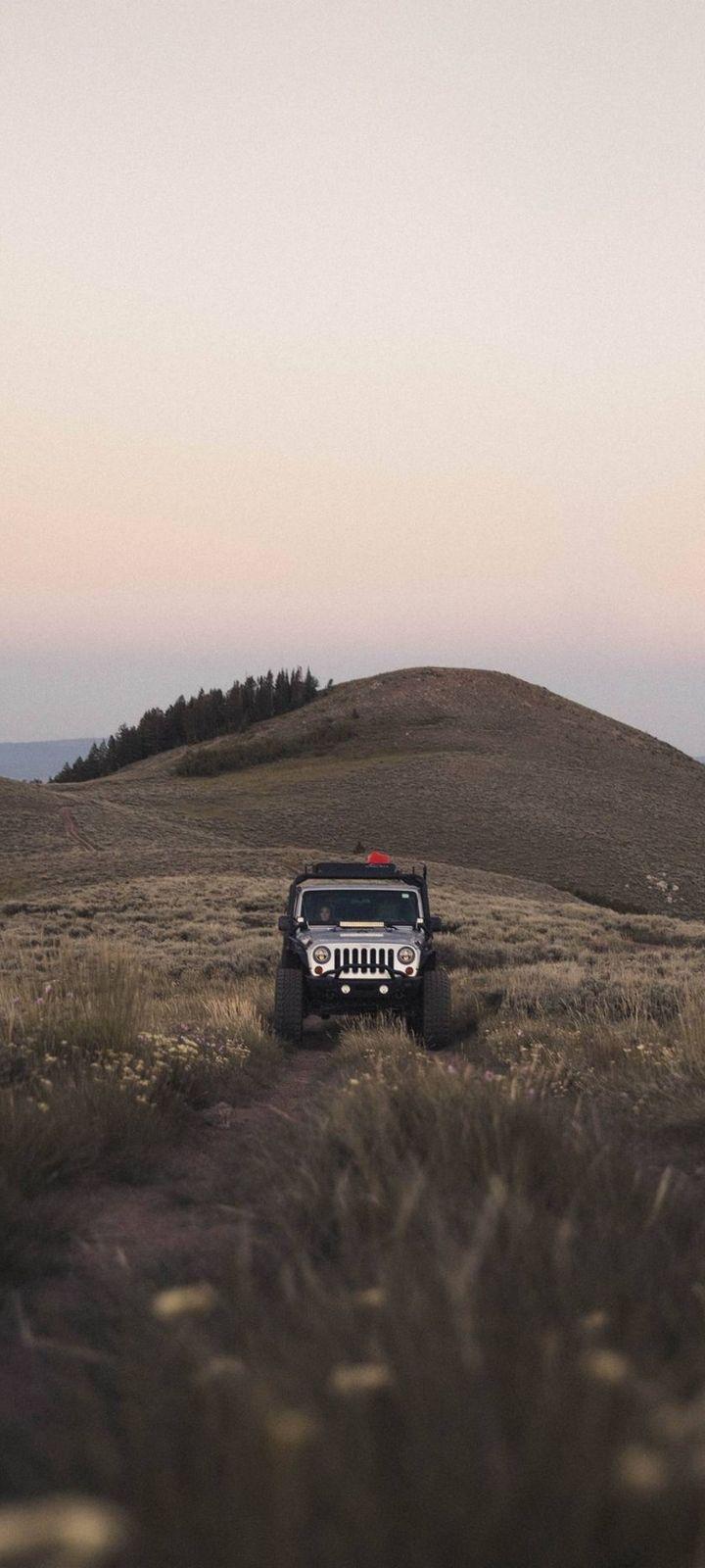 SUV Mountain Car Wallpaper 720x1600