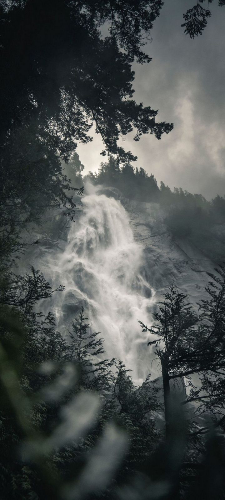 Waterfall Fog Rock Wallpaper 720x1600