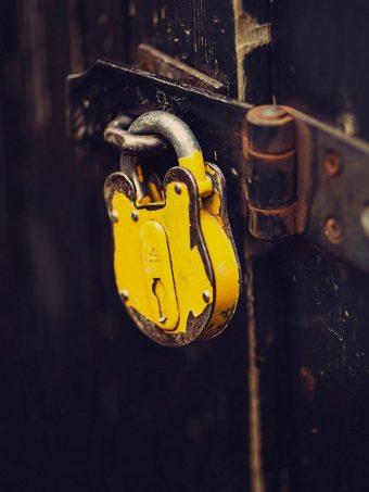 Lock Rust Yellow 1620x2160 1 340x453