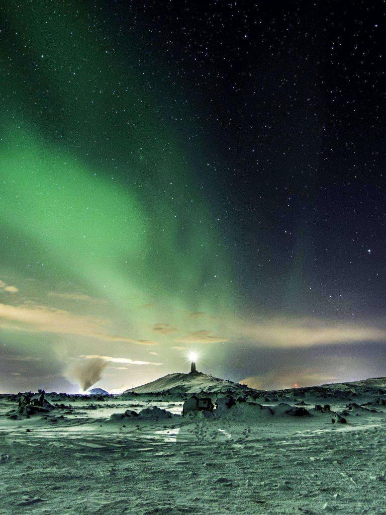 Northern Lights Aurora Snow 1620x2160 1 768x1024