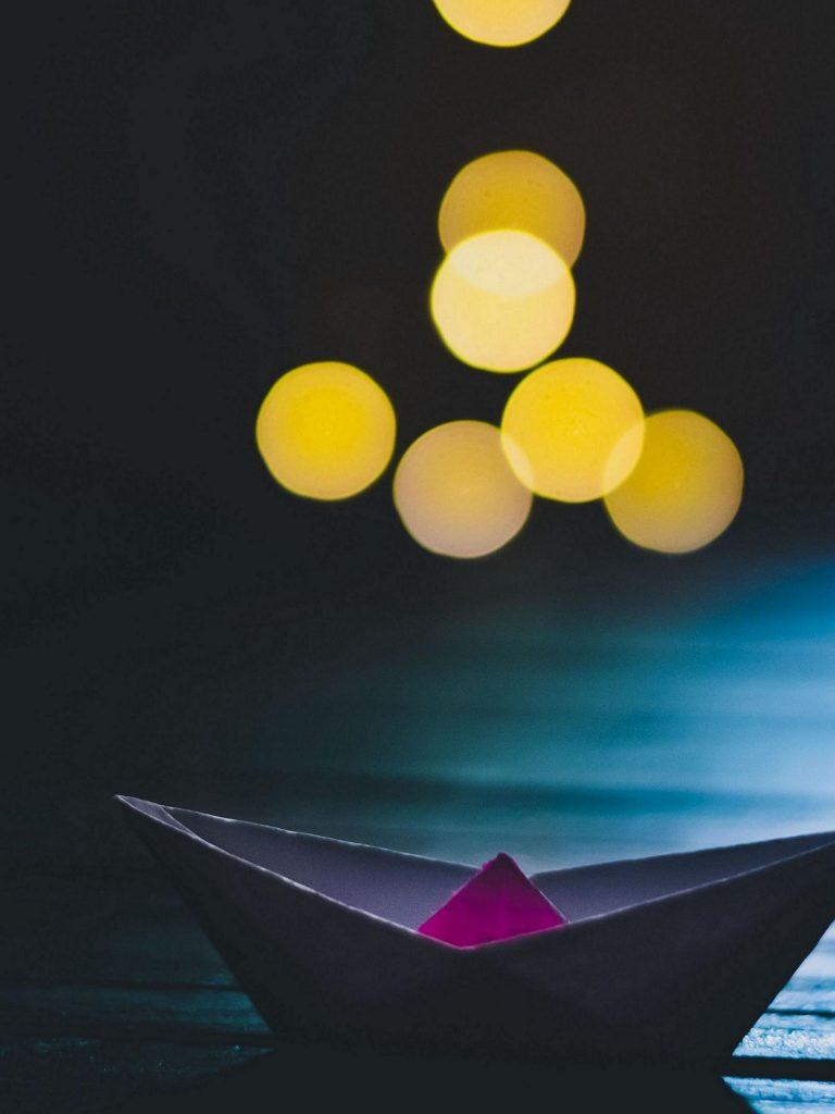 Origami Boat Glare 1620x2160 1 768x1024
